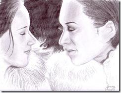 Doua fete in haine de blana privindu-se cu iubire desen in creion