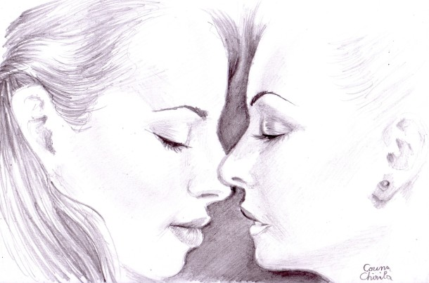 Sensual kiss pencil drawing - desen senzual cu doua fete in creion